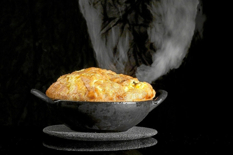 Un plato humeante de comida.| El Mundo
