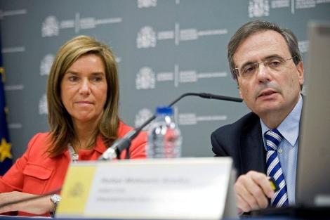Ana Mato junto a Rafael Matesanz en rueda de prensa