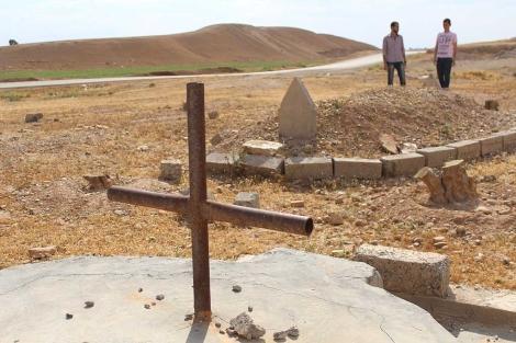 Cementerio conjunto de cristianos y musulmanes en Raqqa.| Javier Espinosa