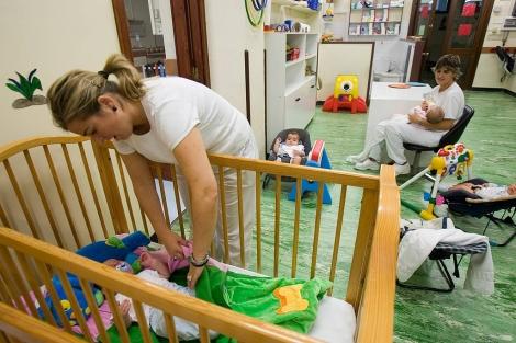 Varios niños en una escuela infantil en España.| Miguel Calvo