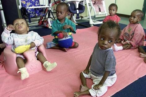 Niños con VIH en un centro de Johannesburgo.
