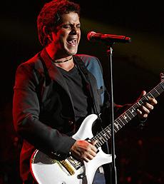 El cantante Alejandro Sanz, en un concierto en Miami. (Foto: EFE)