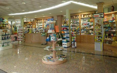 Interior de una farmacia. | Cofares