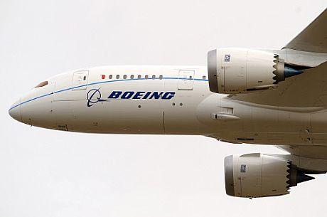 Un Boeing 787 durante un vuelo de prueba.   Afp