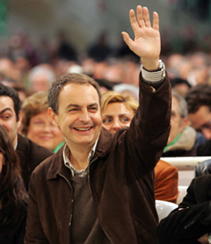 Zapatero, durante un mitin. (Foto: Jesús Morón)